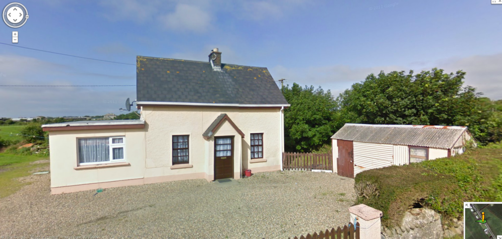 2Down 2Up Houses, Wexford, Ireland: A Tribute To a Classic Design (2/6)