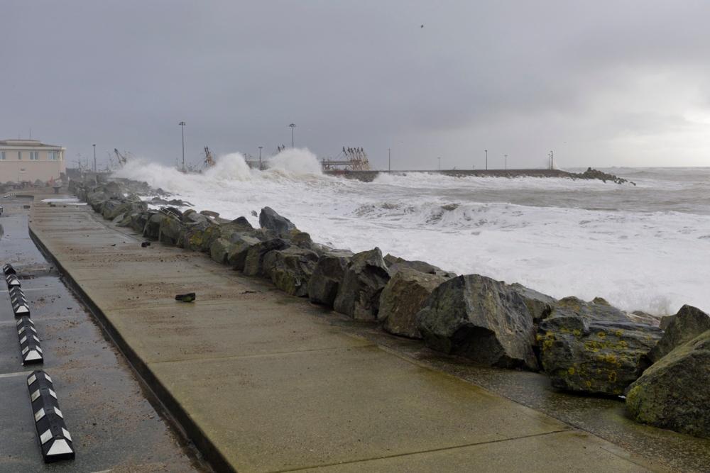 Storm Surges at Kilmore Quay (4/6)